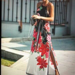 Gorgeous Floral Print Maxi Dress w/tie Waist NWT